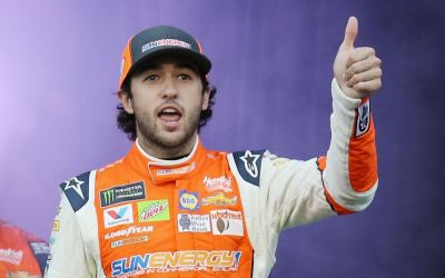 Chase Elliott takes stock with UNTUCKit deal
