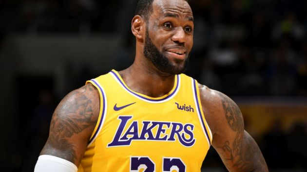 f04d2094 LeBron James drags LA Lakers to top of NBA jersey sale rankings ...