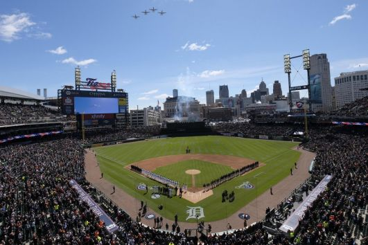 Comerica Bank retains naming rights to Detroit Tigers' ballpark