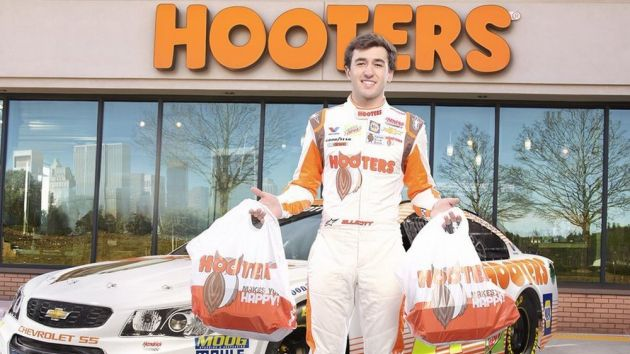 Chase Elliott books in with Hooters until 2021